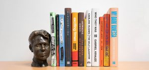 Bust of Dylan Thomas next to the Dylan Thomas Prize nominated books